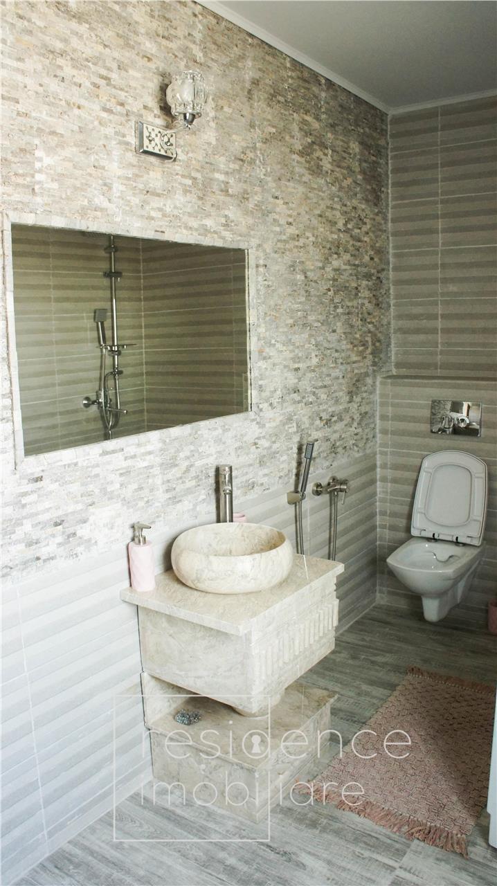 Penthouse 3 camere, imobil tip vila in Europa + 2 Parcari, Terasa 70 mp