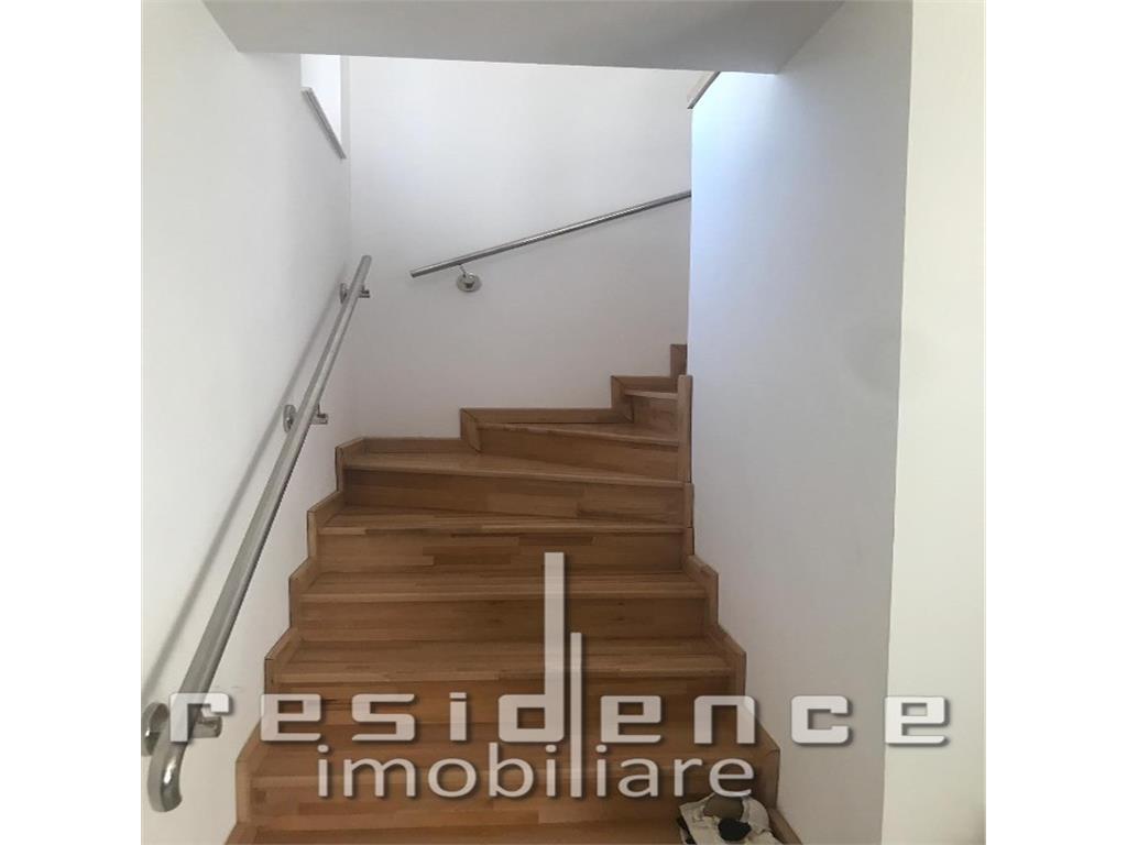 Casa 180mp, 5 camere + 400mp curte, Intre Lacuri