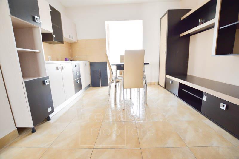 Decomandat! Apartament 2 camere modern Intre Lacuri, zona Iulius
