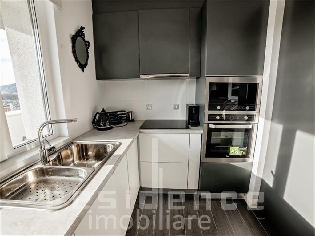 Apartament 3 camere in Platinia Mall, Centru, Ultrafinisat, Lux+Terasa