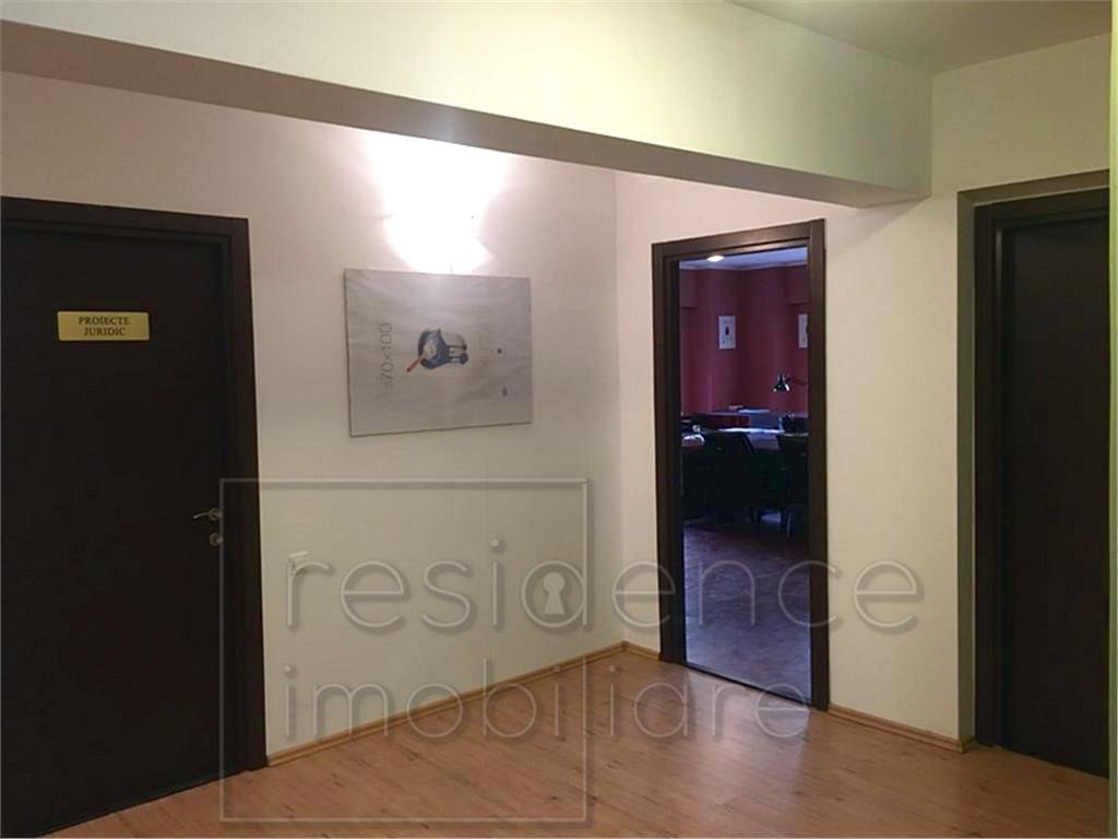 Apartament 5 camere /Birou 135 mp in Plopilor, Semiluna + Terasa 56 mp