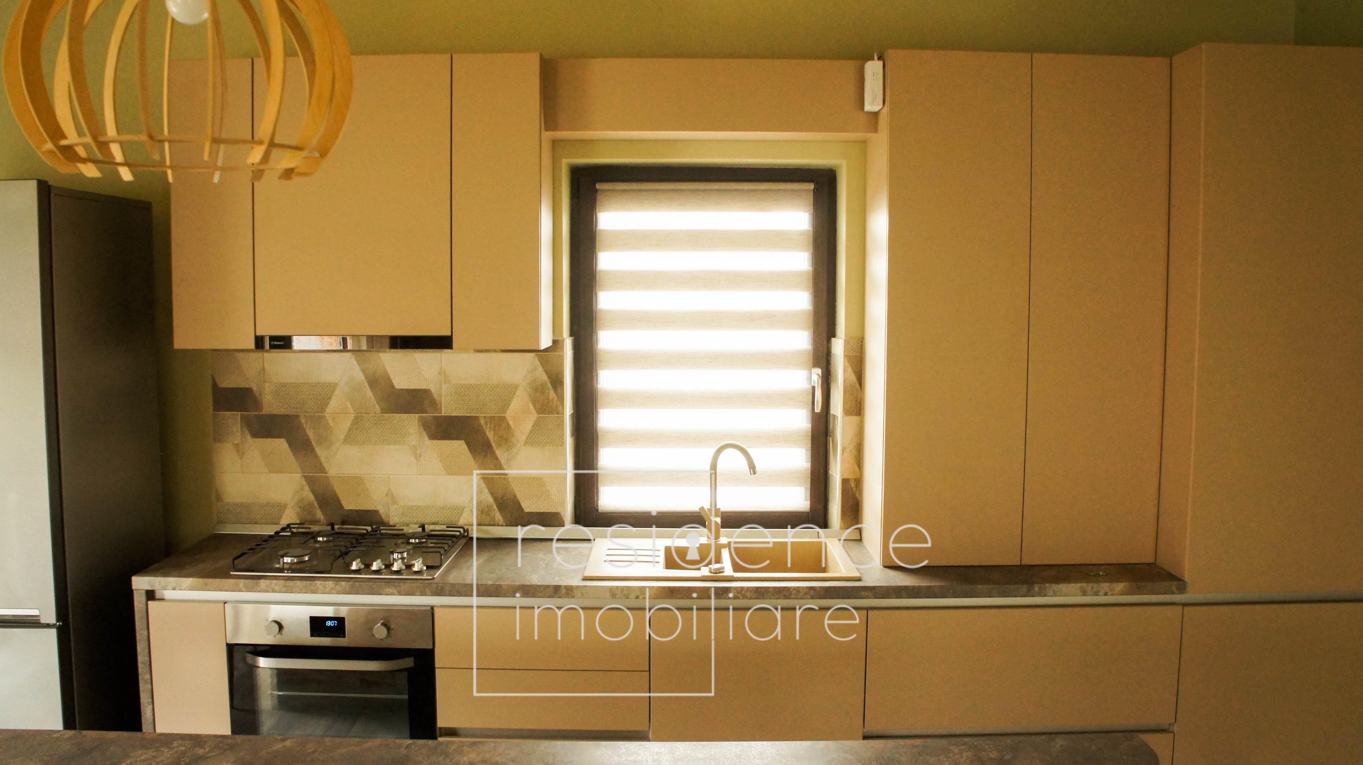 Penthouse 3 camere Ultrafinisat in Europa + 2 Parcari, Terasa 80 mp