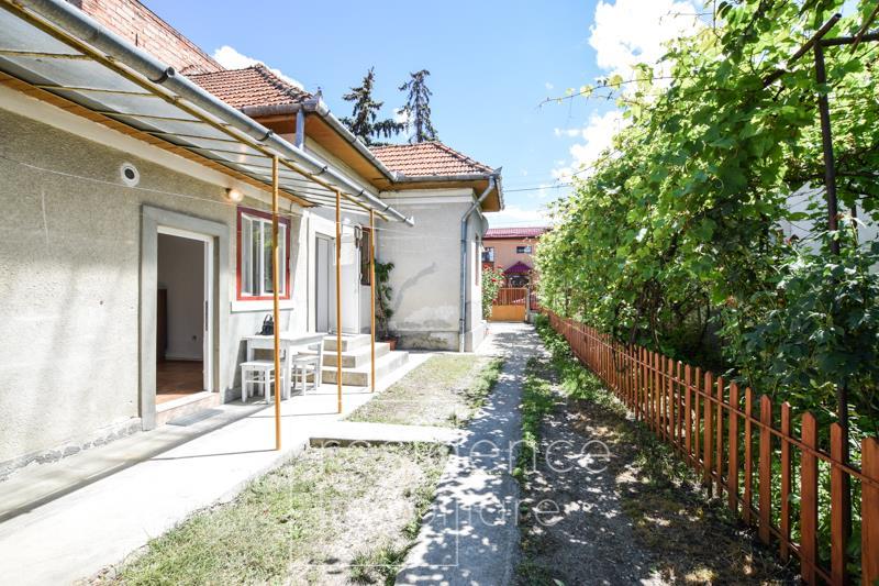 Casa 4 incaperi, reabilitata, birou, Gheorgheni, zona Politiei + Curte