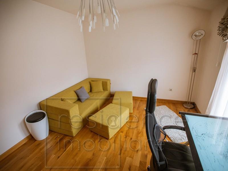 Casa 4 camere, complet mobilata, in Europa, Curte Individuala, Garaj