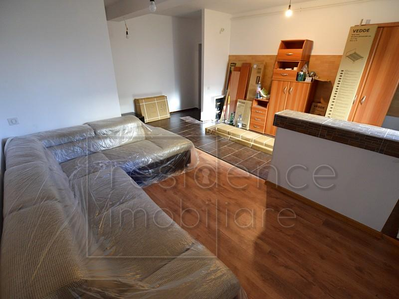 Apartament 2 camere, ManasturFloresti, zona VIVO+Curte 50 mp
