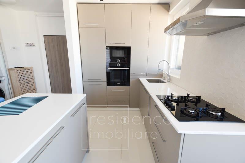 Apartament 2 camere Lux in Andrei Muresanu Sud, Terasa 14 mp + Garaj